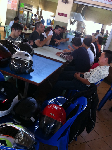 Refuelling of riders at seria food stalls