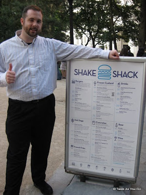 Shake-Shack-Sign-New-York-NY-tasteasyougo.com
