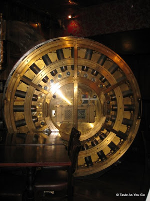 Bank-Vault-Door-Trinity-Place-New-York-NY-tasteasyougo.com