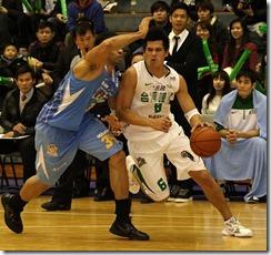 達欣蓋登(左)台啤楊敬敏(右)