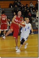 國泰藍浩語(左)台元張喻評(右)