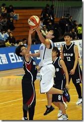 電信徐千惠(中)佛光李宜瑄(左)
