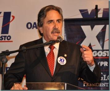 O candidato a presidente Jose Lucio Glomb