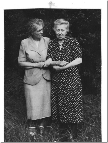Anna Bartels and mutter Maria Korbach