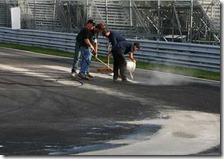 I commisari mettono il cemento sulla pista di Montreal