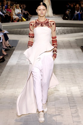 Givenchy Haute Couture 01329_00140h-2--2009_07_07_21_41_08_720019_hq_122_464lo