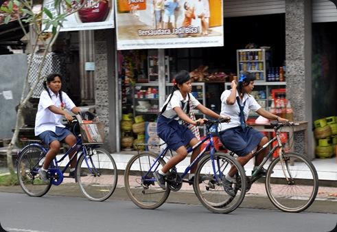 bicyclegirls2