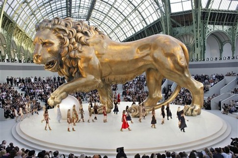 Automne Hiver Haute Couture 2010 - Chanel 101