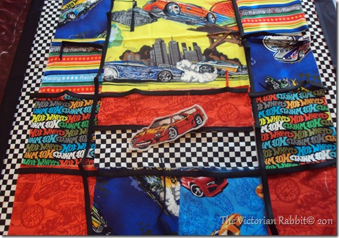 capcake stand hot wheel wall quilt 004