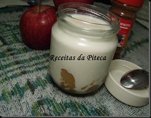 Iogurtes de maçã e canela