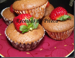Cupcakes de chocolate e morango 3