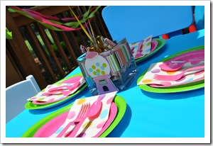 kiddie table decor