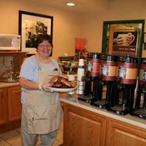 NWCOHHX_Hampton_Inn_Newcomerstown_dining_on-the-house_hot_breakfast