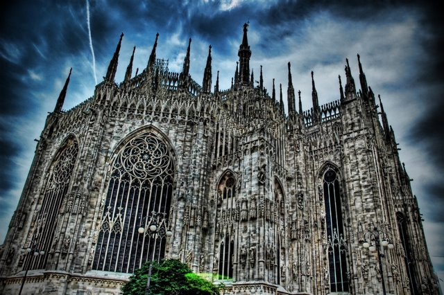 20-unusual-churches-p1-dark-duomo