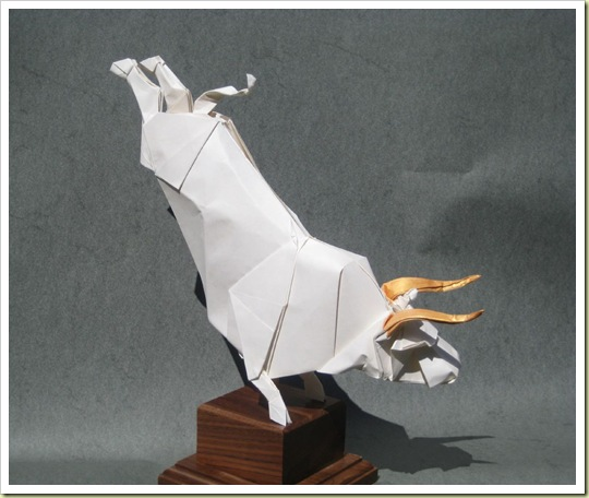 06-origami-white-bull-of-heaven1.jpg