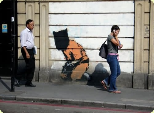 amazingurbanartgraffiti16 thumb - Amazing Graffiti Art by Banksy