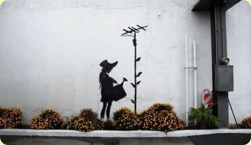 amazingurbanartgraffiti07 thumb - Amazing Graffiti Art by Banksy