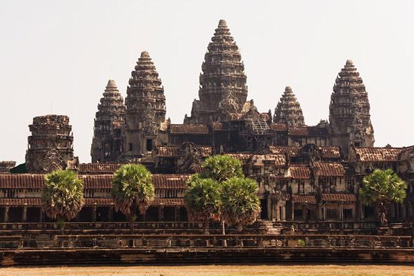 Arhitektura - Page 2 Angkor-Wat