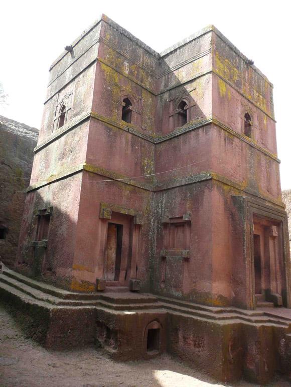 20-Unusual-Churches-PII-church-of-st-george1