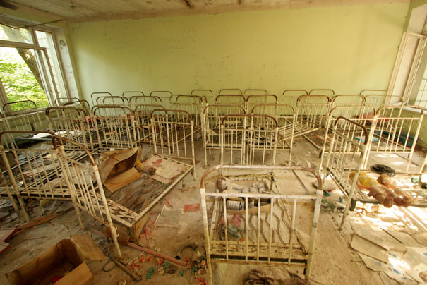 http://lh5.ggpht.com/_dlkAw43cLC0/ScpjgW41QdI/AAAAAAAAED8/wnggFaqHlXY/s800/Chernobyl-Today-A-Creepy-Story-told-in-Pictures-kindergarten3.jpg