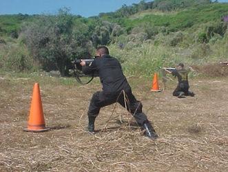 Reciben adiestramiento  tactico en tiro de reacciòn policias municipales de Coyuca de Benìtez