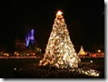 christmas at Disney _The shining Christmas tree 1024x768  desktop widescreen wallpaper