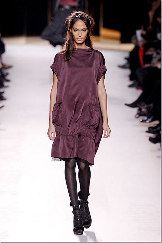 Nina-ricci-FALL-2011-RTW-podium-007_runway