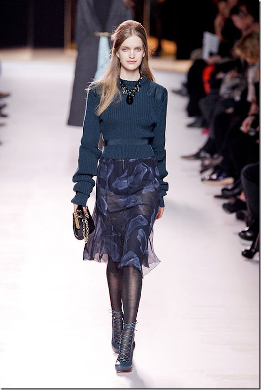 Nina-ricci-FALL-2011-RTW-podium-021_runway