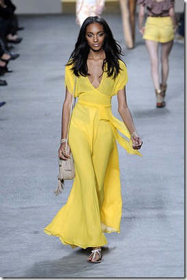 Paul-joe-SPRING-2011-RTW-podium-006_runway
