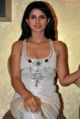 Dasy-Bopanna-hot-photo-in-white-9