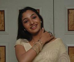 tamil-actress-maya-unni-in-saree-stills_actressinsareephotos_blogspot_com_30