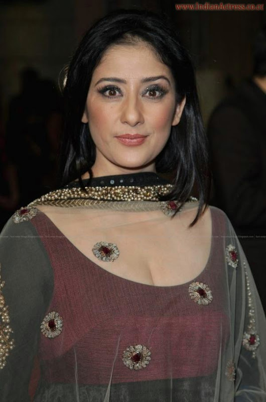 manisha-koirala-hot-dubai-film-festival