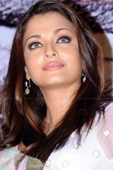 Aishwarya-Rai-hot-in-white-saree-9