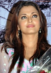 Aishwarya-Rai-hot-in-white-saree-19