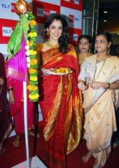 Isha-Koppikar-in-Saree-7