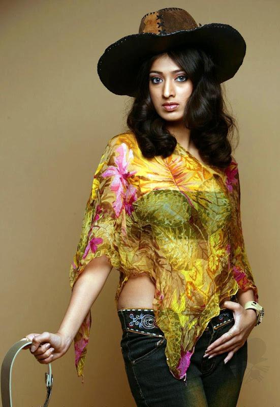 Lakshmi Rai 016 (8)