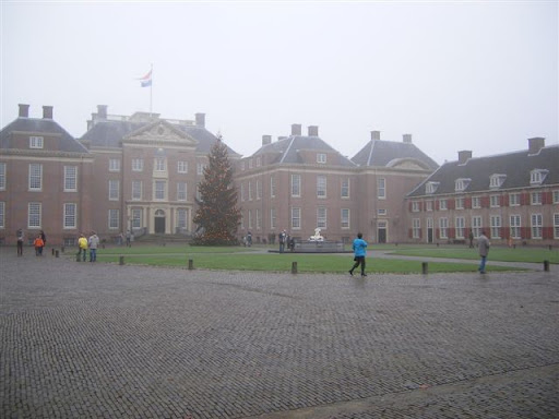 Paleis Het Loo, da lontano