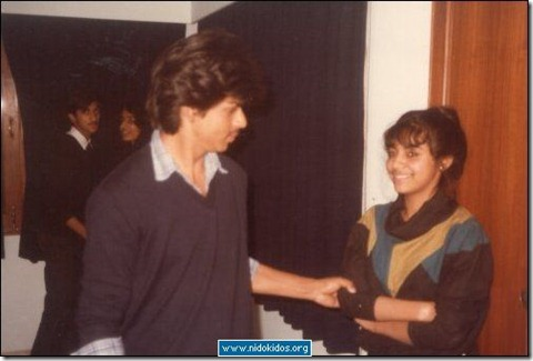 ShahRukh Khan With his wife (Old pic)