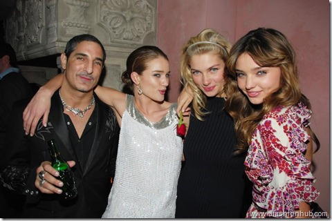 Rosie Huntington-Whiteley Candids 20th Birthday Party (16)