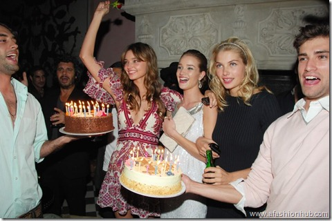 Rosie Huntington-Whiteley Candids 20th Birthday Party (6)