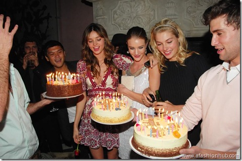Rosie Huntington-Whiteley Candids 20th Birthday Party (13)