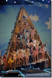 Rosie Huntington-Whiteley Fashion Show 2007 (3)