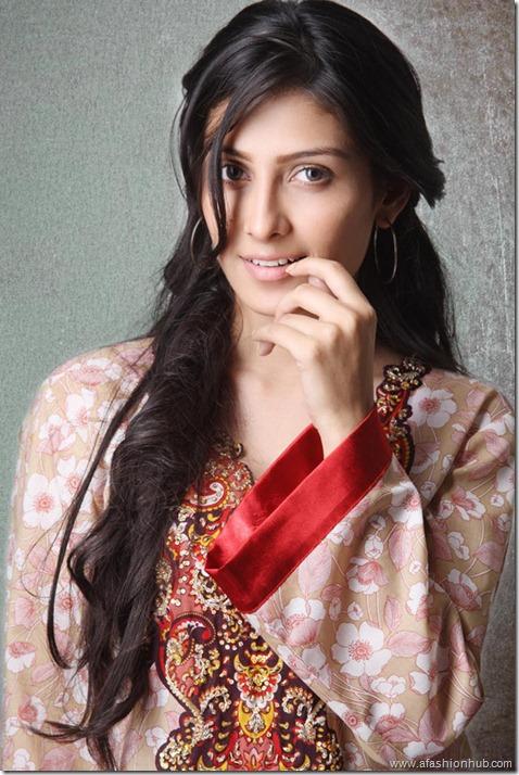 Lakhani Komal Lawn 2011 (34)