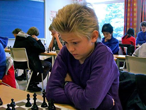 Lars Oskar Hauge (12) viser stadig at han blir bedre og bedre for hver dag og i helgen ble han Oslomester med 8,5/9!