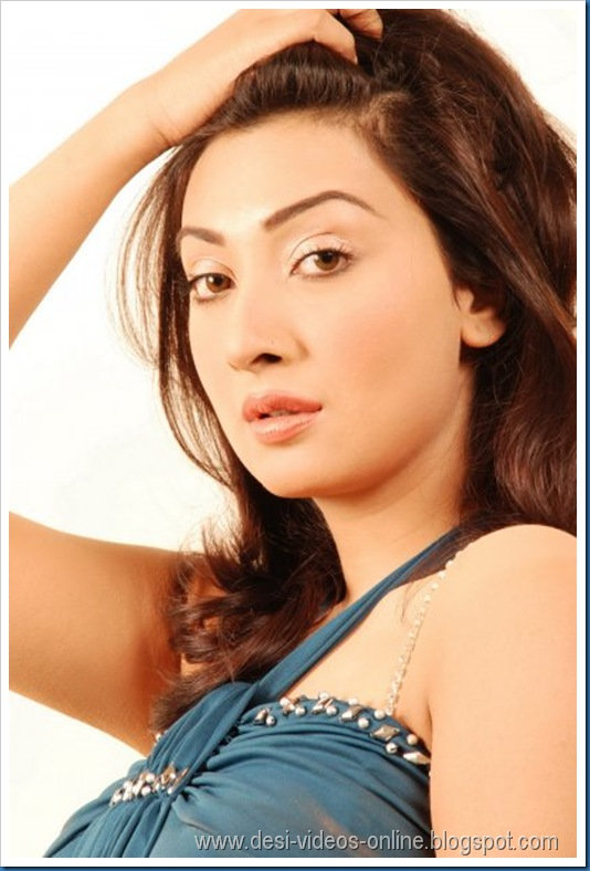 Hot-Ayesha-Khan1 (5)