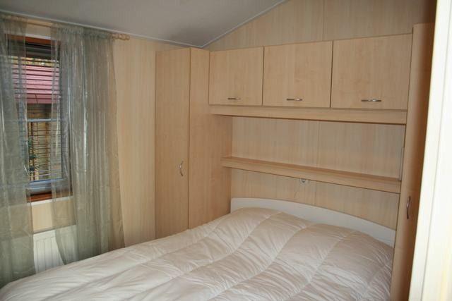 Te huur vakantiewoning op rustig park - Slaapkamer met doucheruimte ...