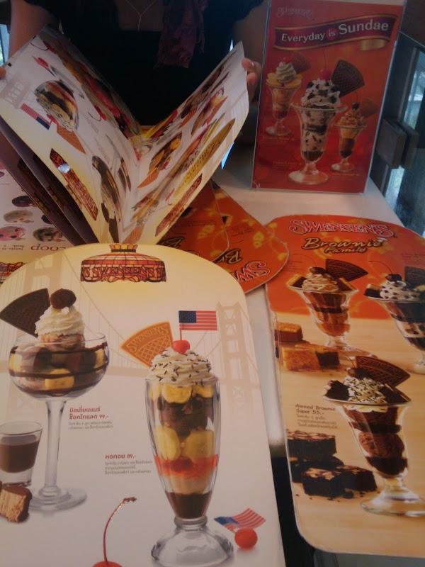 高校時代から好きなアイスクリームの店でデート(SWENSENS)