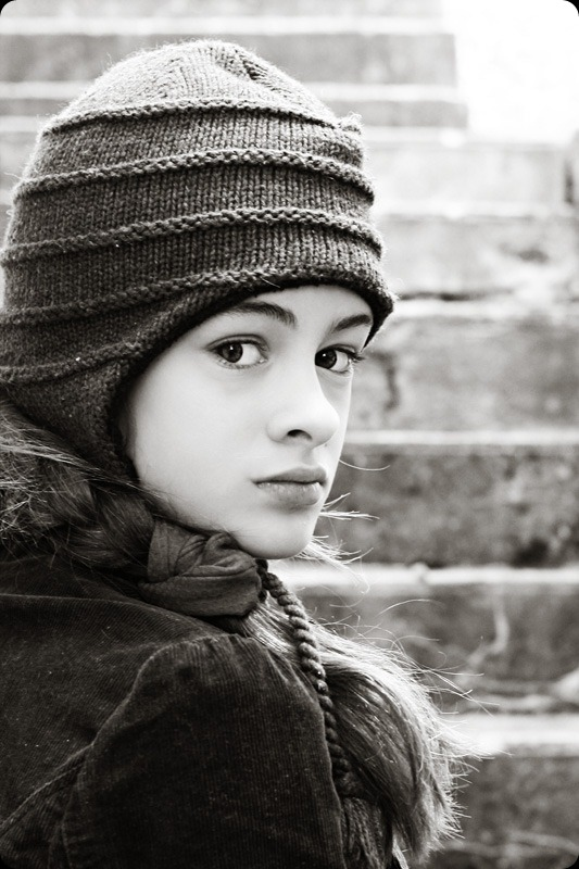 emma-hat-1_edit-ch-bw