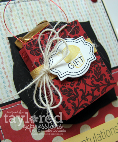 GiftBagOnAGiftCard_Closeup_DLounds