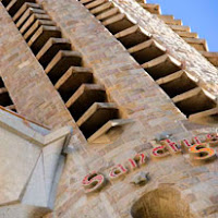 jupiterstudentskinzena.gordondocsLorca and his worldGaudi 13.jpg